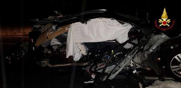 Incidente sull'Aurelia: auto sbanda e sbatte contro il guard rail, conducente illeso