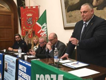 """Verso le Politiche, Forza Italia presenta il programma: """"Più sicurezza e meno tasse"""""""