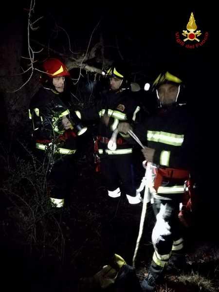 Photo of Esercitazione notturna per i Vigili del Fuoco: soccorsa persona caduta in un pozzo