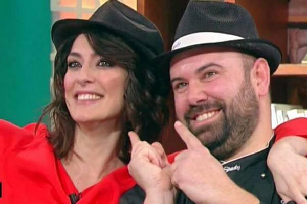 """Le friselle di chef Shady su Rai Uno con Elisa Isoardi a """"Buono a sapersi"""""""