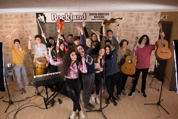 Alternanza scuola-lavoro: gli studenti del Liceo musicale protagonisti del nuovo video di Sophia