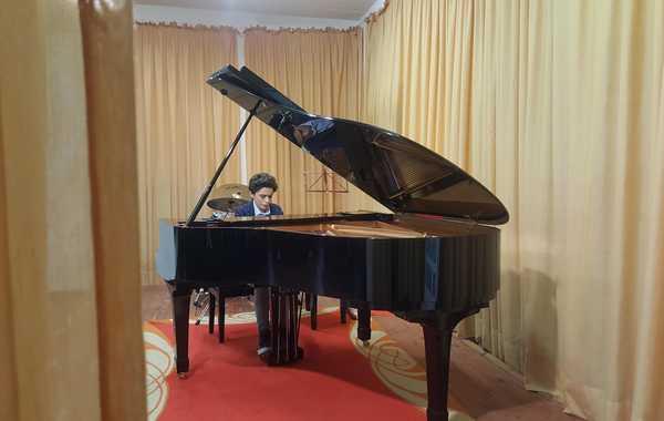 Altro successo per la scuola di musica: giovane pianista vince un concorso nazionale