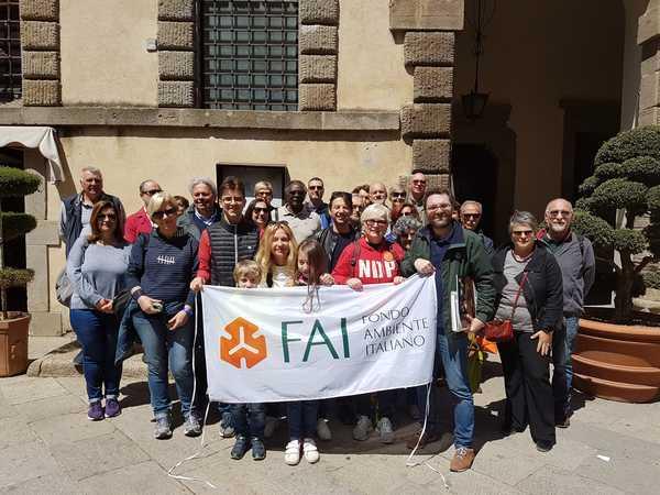 La delegazione del Fai in visita alle bellezze artistiche e naturalistiche di Santa Fiora
