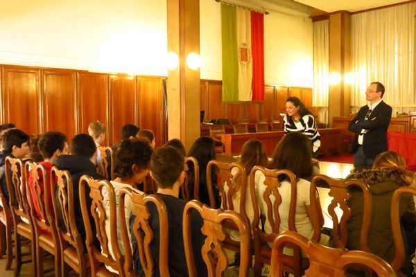 """""""Fermati, Otello!"""": gli studenti follonichesi protagonisti di una rassegna teatrale nazionale"""