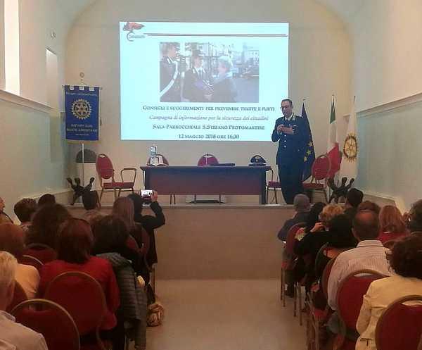 Lotta alle truffe e ai furti: i Carabinieri incontrano i cittadini
