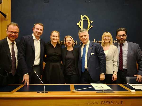 """""""No alla Bolkestein per ambulanti e balneari"""": Ripani, Berardi e Mugnai firmano la proposta di legge"""
