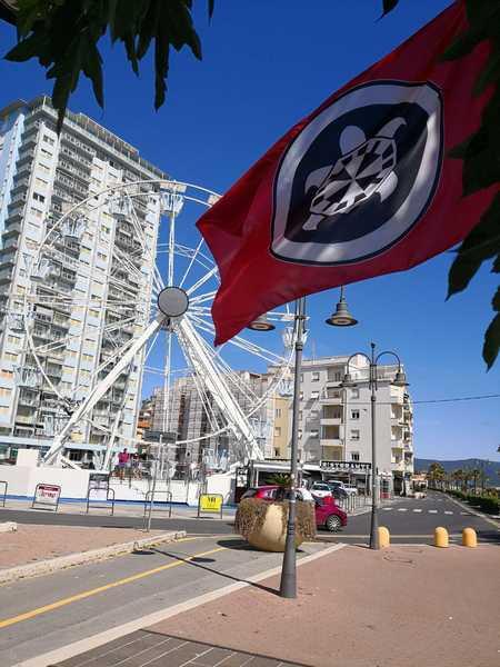 """Photo of """"No merce contraffatta"""": CasaPound scende in campo contro l'abusivismo"""