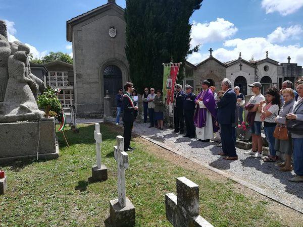 Santa Fiora ha ricordato le vittime del bombardamento del '44 e i martiri di Niccioleta