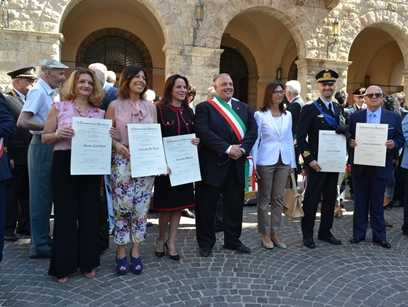 Grosseto festeggia la Repubblica: consegnate le onorificenze. Tutti i premiati
