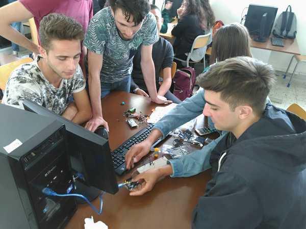 Gli alunni del Fossombroni a lezione di servizi informativi dal Sed