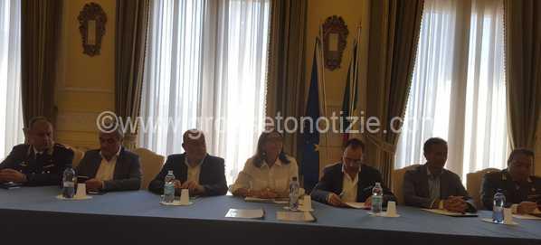 """""""Spiagge sicure"""", in arrivo fondi contro il commercio abusivo a Follonica e Castiglione: ecco i progetti"""