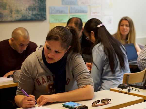 Contrasto all'abbandono scolastico: ecco i corsi gratuiti sostenuti dalla Regione
