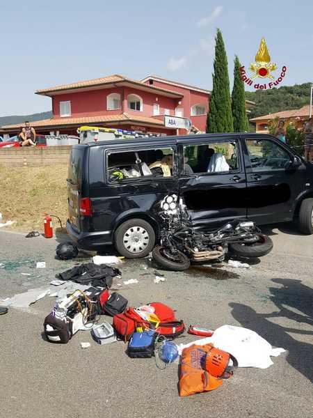 Scontro tra un'auto e una moto: centauro trasportato a Siena con l'elisoccorso