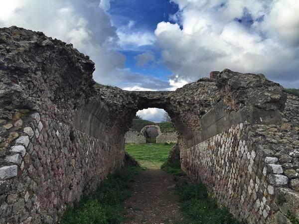 Photo of Visita serale guidata all'area archeologica di Roselle