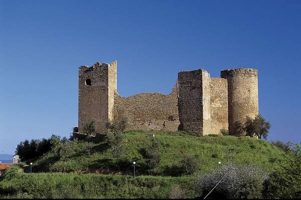 Photo of Al via le visite guidate per conoscere Scarlino e i segreti del suo centro storico