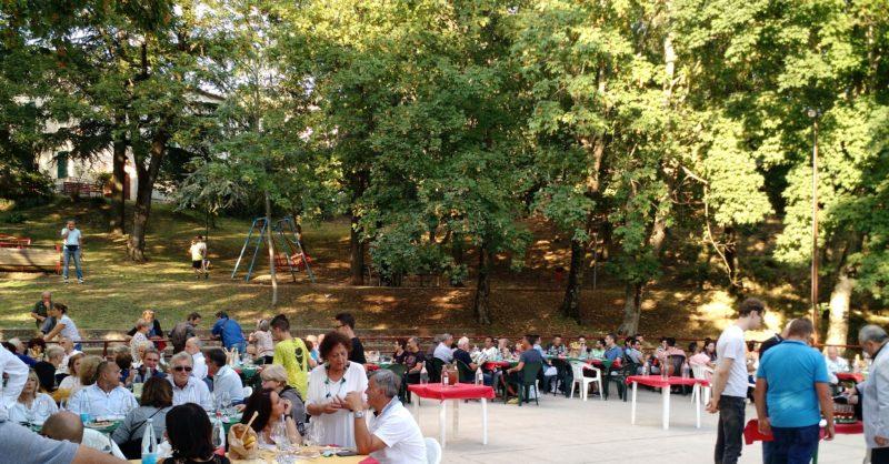 """""""Dalla vite alla bottiglia"""": successo di pubblico per la degustazione di vini a Selvena"""