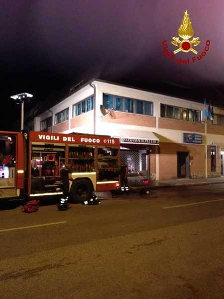 Photo of Incendio nella notte in un ristorante: i Vigili del Fuoco scongiurano il peggio