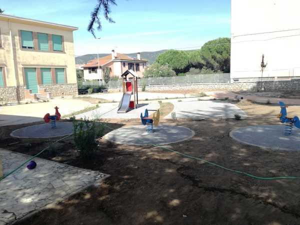 Orbetello scalo, il nuovo giardino delle scuole prende vita: inaugurazione a breve