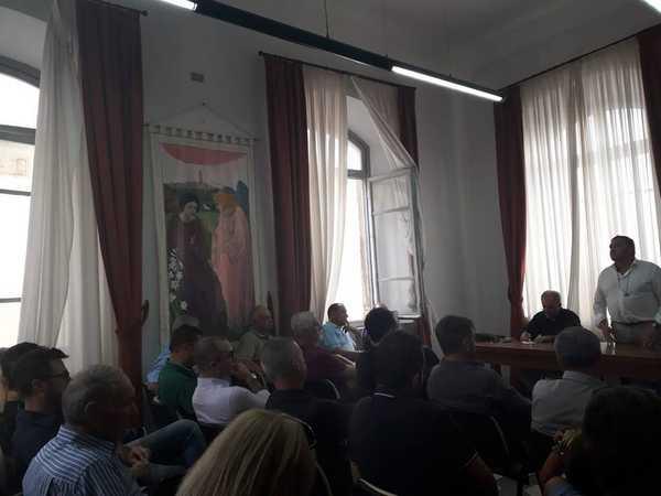 """Predazioni, incontro a Magliano: """"Lavoriamo uniti sulla strada avviata dalla Regione"""""""