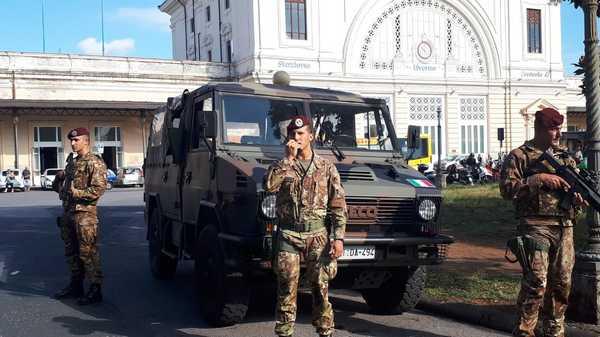 """""""Strade sicure"""": pattuglia del Savoia blocca aggressore armato di coltello"""