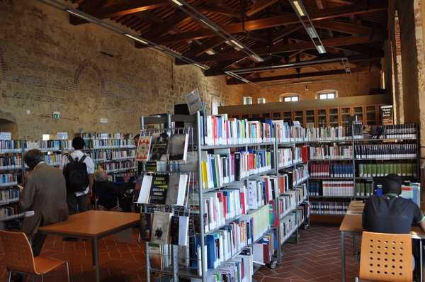 Photo of Massa Marittima, da lunedì la biblioteca comunale riapre al pubblico senza appuntamento