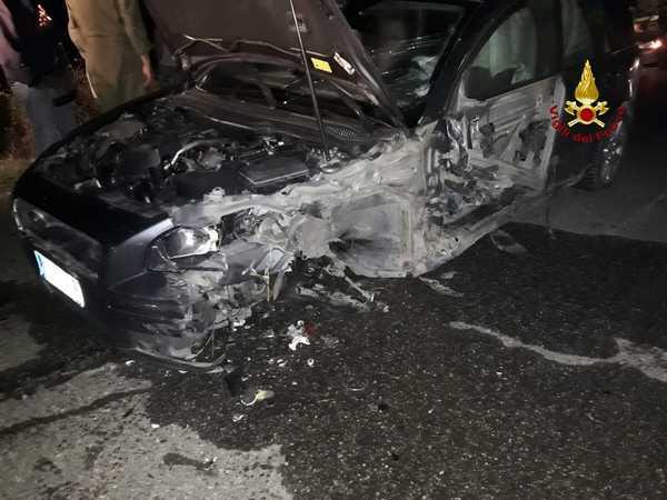 Incidente sulla Maremmana: scontro tra due auto, tre persone ferite