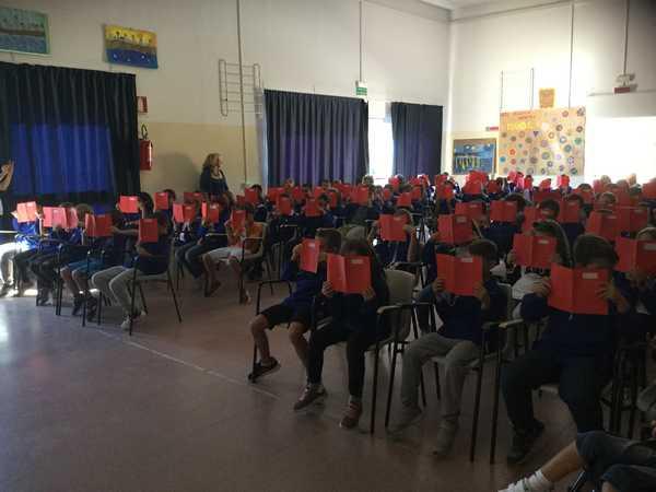 Photo of Gli studenti a lezione di legalità dal movimento delle Agende Rosse: al via il progetto