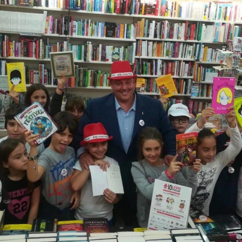 """""""#Ioleggoperché"""": classe grossetana prima in Italia nell'iniziativa per donare libri alle scuole"""