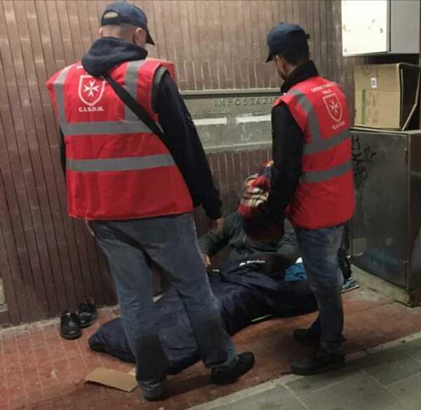 Emergenza freddo: ronda serale del Cisom per consegnare coperte ai senza tetto