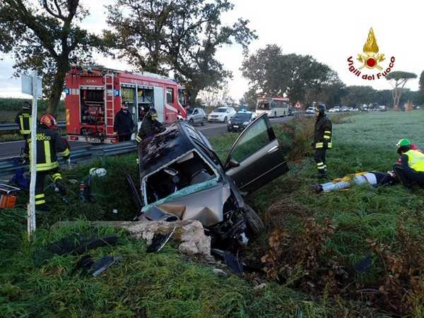 Incidente sulla Castiglionese: auto esce di strada e si ribalta, uomo trasportato a Siena