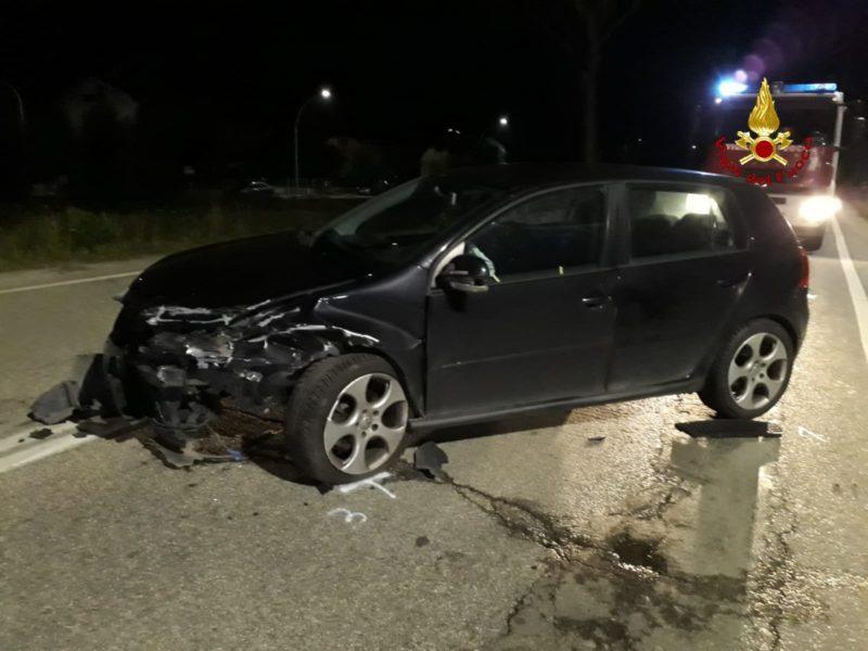 Incidente stradale: scontro tra due auto, quattro persone ferite