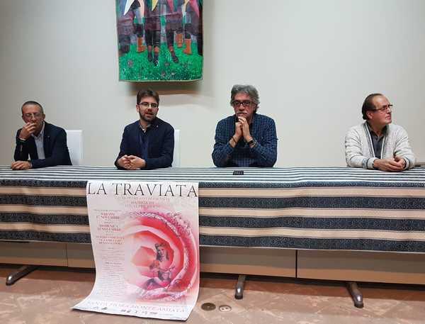 La Traviata in scena a Santa Fiora: i personaggi sono tutti dell'Amiata