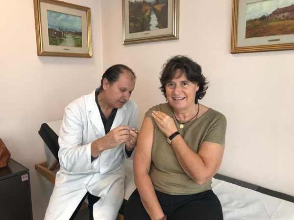 Influenza: l'assessore Stefania Saccardi si è vaccinata e invita i toscani a imitarla
