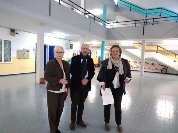 Edilizia scolastica: Marcello Giuntini in visita all'Istituto superiore di Follonica