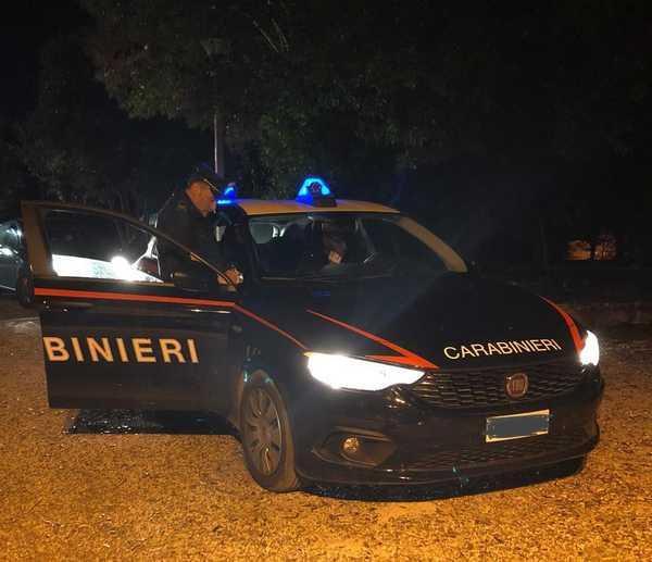 Spaccia droga al parco: scoperto dai Carabinieri, arrestato 19enne