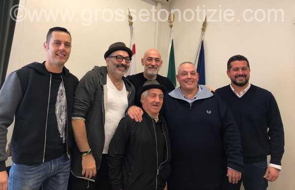 Musica e spettacolo per accogliere il 2019: Sergio Sgrilli protagonista in piazza Dante