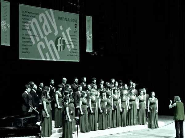 Concerto di Natale di Recondite Armonie: protagonista il Coro giovanile toscano