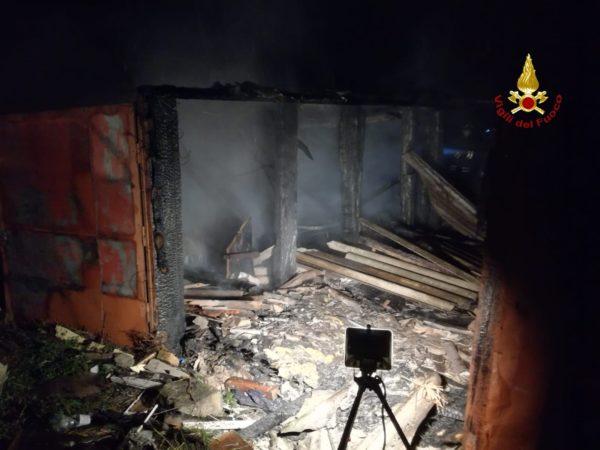 Photo of Incendio in una baracca: intervento dei Vigili del Fuoco