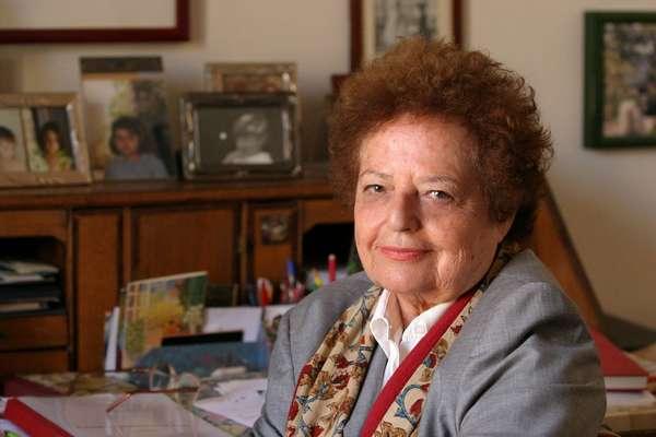 Massa Marittima, due Premi Strega alla biblioteca comunale Gaetano Badii