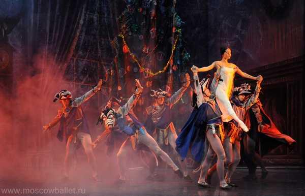 """""""Lo schiaccianoci"""": la grande danza classica in scena al teatro Moderno"""