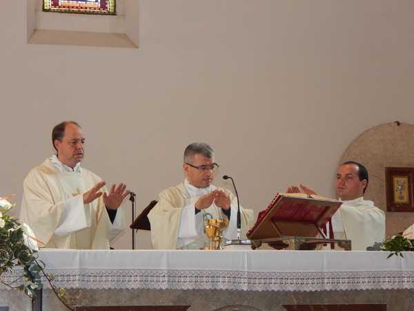 Roselle: l'arcivescovo titolare eletto celebra la messa dell'Immacolata in parrocchia