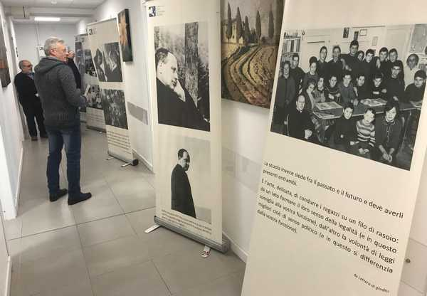 """""""Barbiana, il silenzio che diventa voce"""": ancora possibile visitare la mostra su don Milani"""