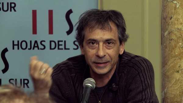 """""""La comedia de una madre"""": lo scrittore argentino Guillermo Piro presenta il suo libro"""