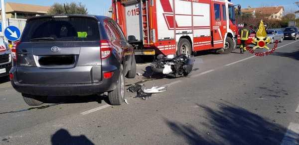 Incidente a Casalecci: scontro tra un'auto e uno scooter