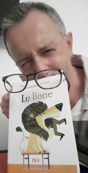 """""""Lu lione"""": Massimiliano Tozzi presenta il suo libro al Villino Panichi"""