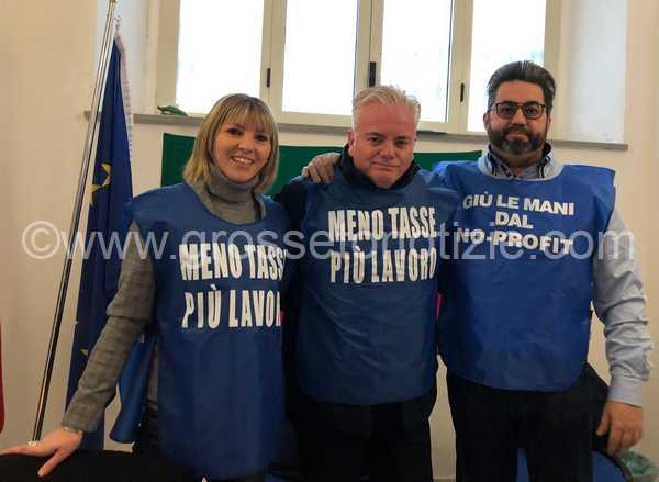 """Forza Italia compie 25 anni e promette battaglia: """"Al lavoro per ribaltare il Governo"""""""