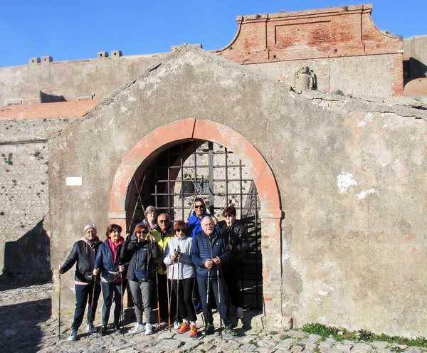 I nordic walker dell'Argentario alla scoperta delle fortezze di Porto Ercole