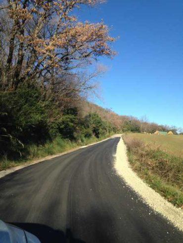 Terminati i lavori sulla strada comunale: rifatto l'asfalto, intervento da 23mila euro