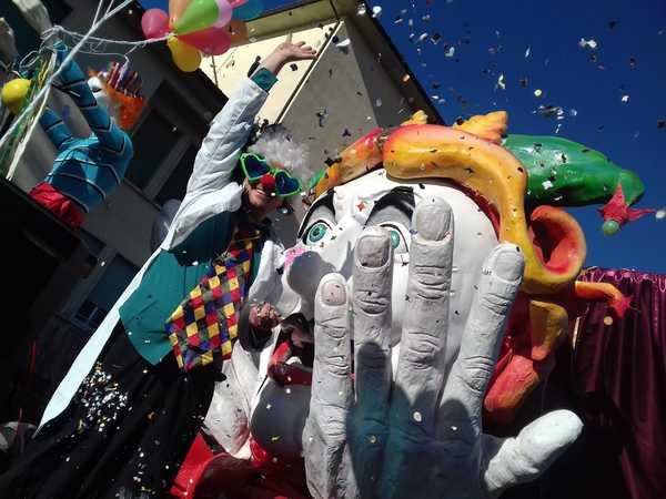 """Photo of Carnevale estivo, il Comune fa chiarezza: """"La manifestazione non è stata annullata"""""""