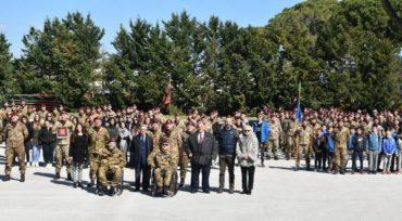 Il Tenente Colonnello Gianfranco Paglia incontra i paracadutisti del Savoia Cavalleria
